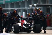 Daniel Ricciardo penalizat cu 10 poziţii pe grila de start a cursei din Bahrain