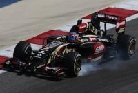 Lotus pare să renunţe la Renault pentru Mercedes