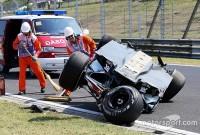 Hamilton cel mai rapid în prima sesiune din Ungaria în timp ce Perez se rostogoleşte cu maşina