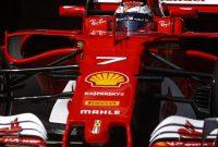 Comparaţie între Raikkonen şi Hamilton