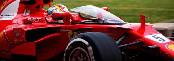 Hamilton îl egalează pe Jim Clark cu 5 clasări pe prima poziţie la Silverstone